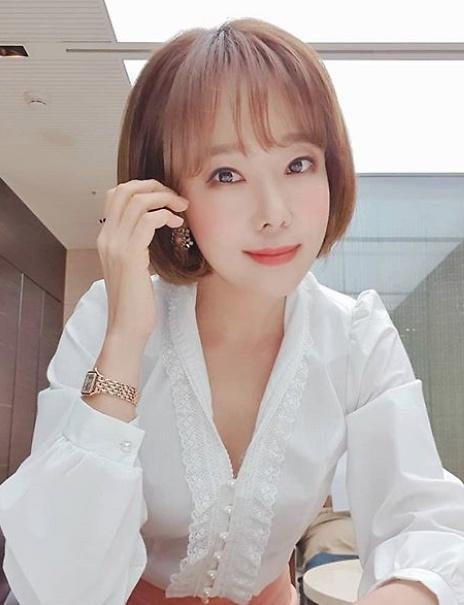 [슬라이드 #SNS★] 소유진, 점점 어려지는 외모 3남매 엄마 맞아?