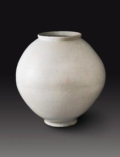 Joseon moon jar breaks auction record as most expensive pottery