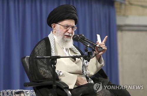 이란, 첫 핵합의 위반..트럼프 불장난 경고