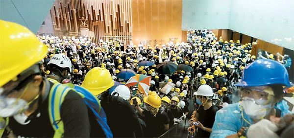 中정부, 홍콩 폭력시위 처벌 요구…반중 여론 거세지나