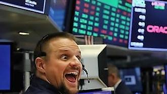 Chiến tranh thương mại Mỹ Trung tạm dừng... S & P500 tăng kỷ lục