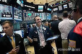 [全球股市]纽约股市上涨 三大指数刷新历史纪录