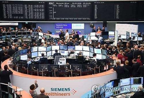 纽约股市独立日休市……欧洲股市不稳 英国FTSE下跌0.08%