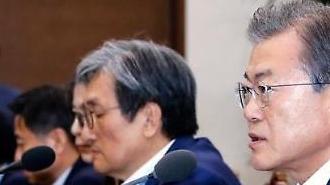 Tổng thống Moon Jae-in đưa ra cảnh báo đầu tiên về quy định xuất khẩu của Nhật Bản