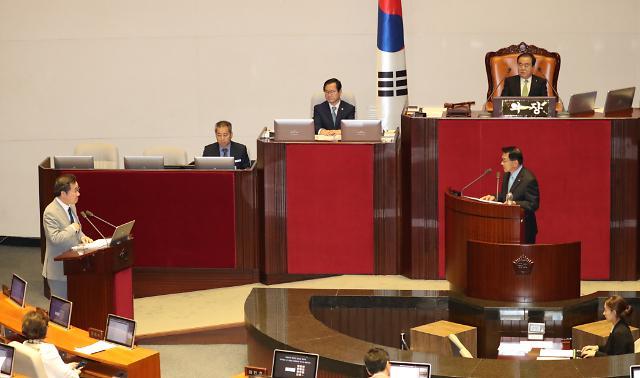 대정부질문 첫날…북한 목선의 경계 실패·일본 수출 제한 질타