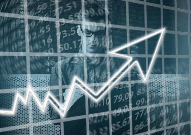 안전자산으로 떠오른 채권펀드…주식펀드 수익률 앞질러