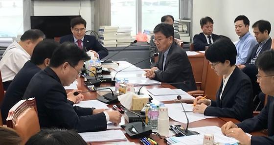 부처 간 이견·여야 논쟁에 유료방송 합산규제 결론 또 연기