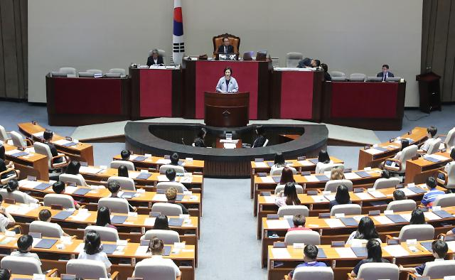 """어린이국회 참석한 유은혜 부총리 """"청소년 미디어 교육에 관심"""""""