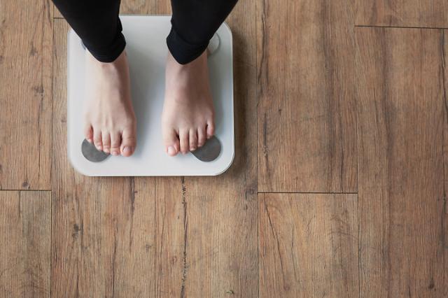 '고무줄 체중' 가진 중장년, 사망 위험률 33% 더 높아