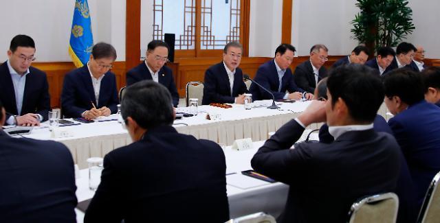 일본發 경제 보복 분수령 이틀 앞두고 쏠리는 文의 입