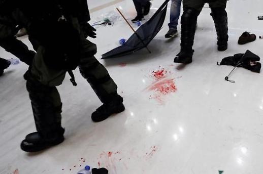 '폭력시위'로 변한 홍콩 시위 우산혁명…사태 악화시킨 '캐리 람'