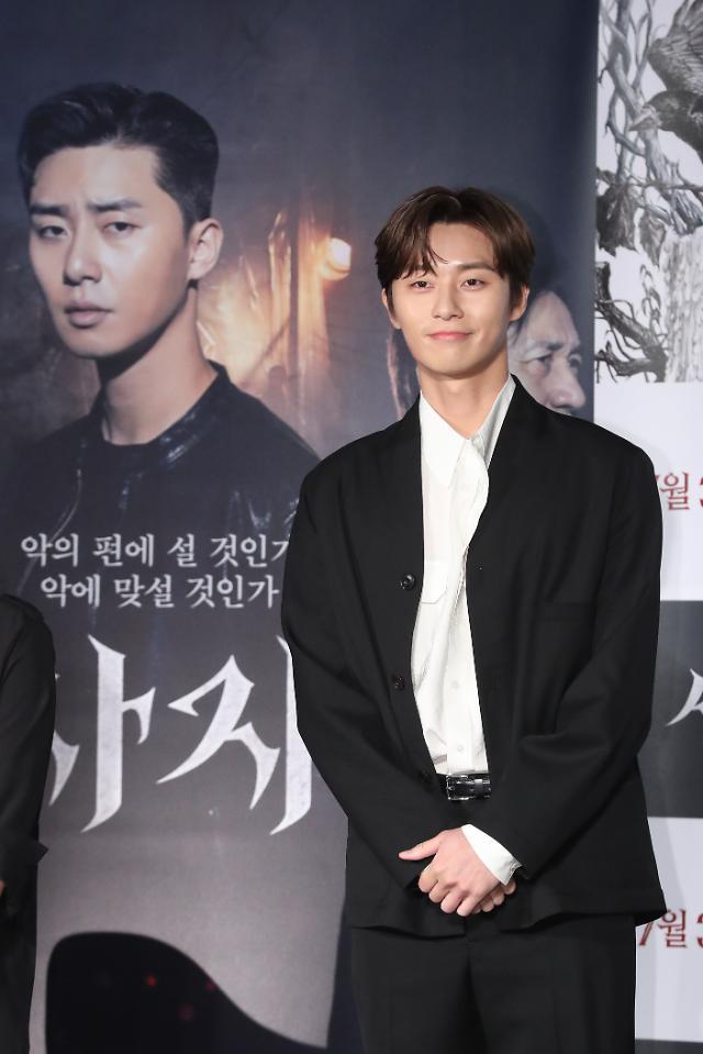 パク・ソジュン&アン・ソンギ主演映画「使者」、公開を控えて主演俳優のラジオ出演で話題