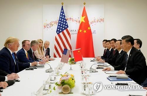 """트럼프 """"시진핑과 가깝지 않아""""...미중 협상 앞두고 신경전"""