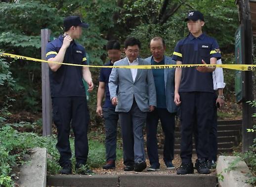 [포토] 정두언 사망 현장 둘러본 김용태 의원