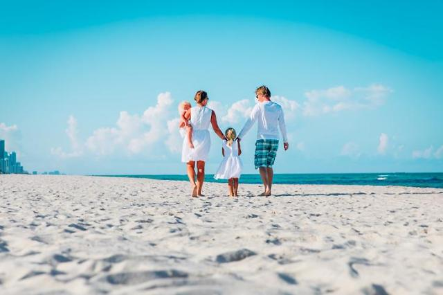 휴가로 해외여행 간다면? 이통3사 로밍 요금제 살펴보자