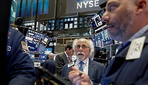 [环球股市] 投资者持观望态度...纽约股市下跌收盘道琼斯0.42%↓