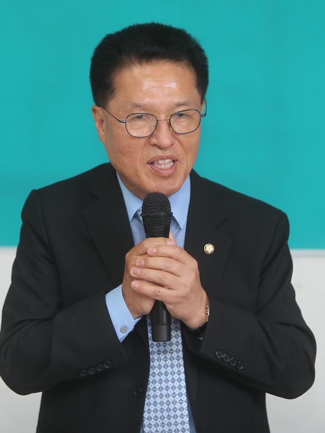 """""""내 모교도 탈락""""정운천,  """"내 자식은 예외"""" 김승환…상산고 결투"""