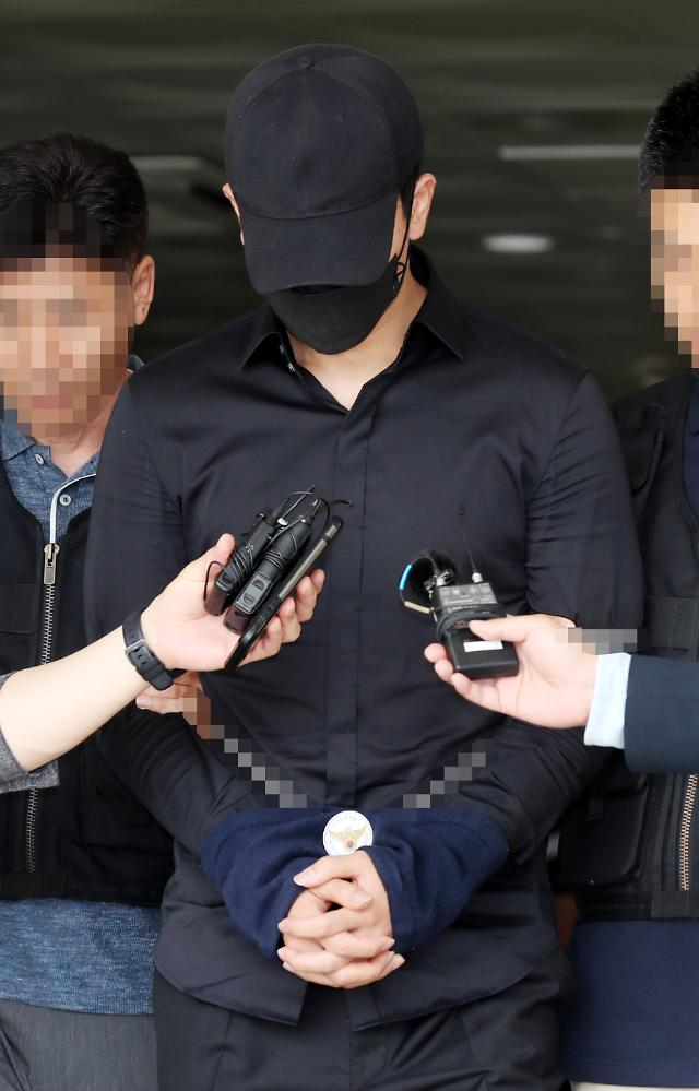 """'인천 로데오거리 음란행위' 정병국 구속영장 기각…""""범행 뉘우쳐"""""""