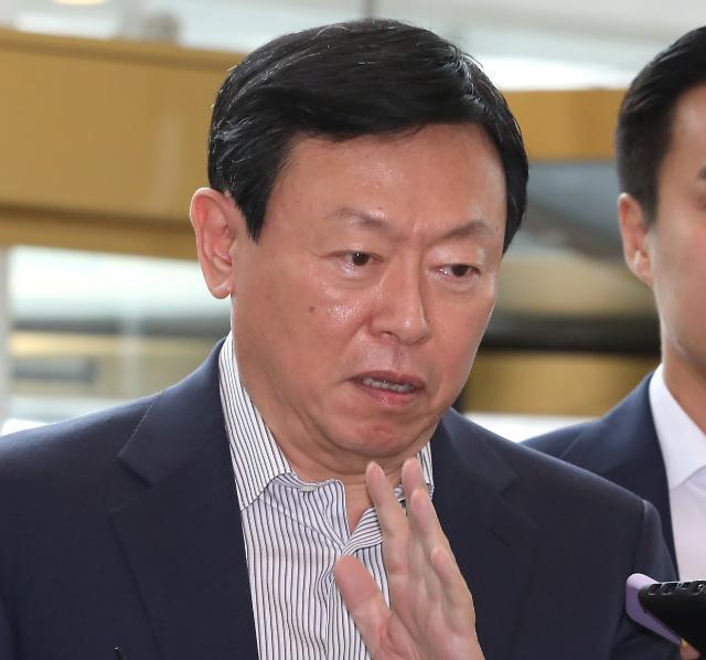 """[롯데 사장단 회의] 신동빈이 던진 화두는 '공감'…""""좋은 기업 돼야 지속성장"""""""