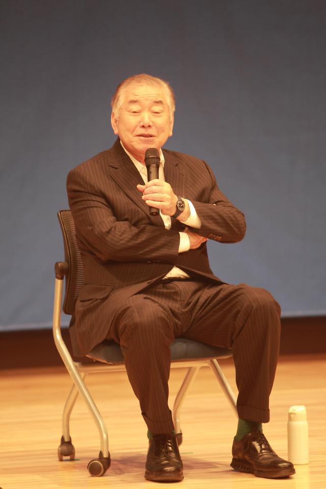 """문정인 특보 """"文 탄핵해야 한·일관계 좋아진다는 일본…내정간섭 의도"""""""