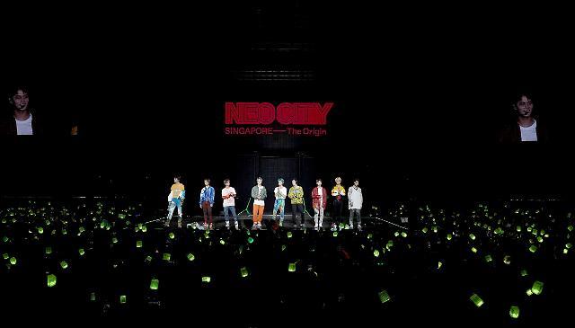 NCT 127, 싱가포르 첫 콘서트 성황리 마쳐…공연장 가득 채운 떼창