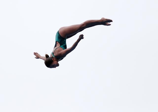 [슬라이드 화보] 한 마리 새처럼...하늘로 날아오른 하이다이빙 그림같은 비행