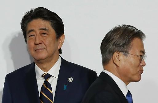 [아주시론]일본 노골적 혐한시대, 아베는 한국분노를 역이용한다