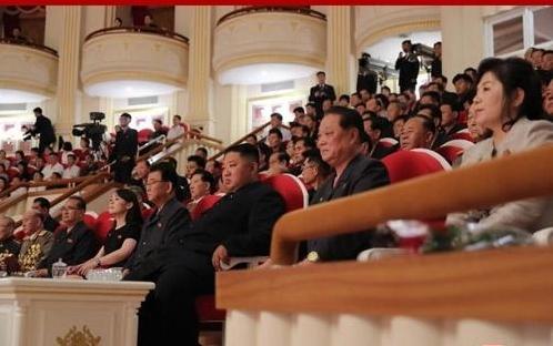 金正恩参谒韩战烈士墓纪念停战协定签订66周年