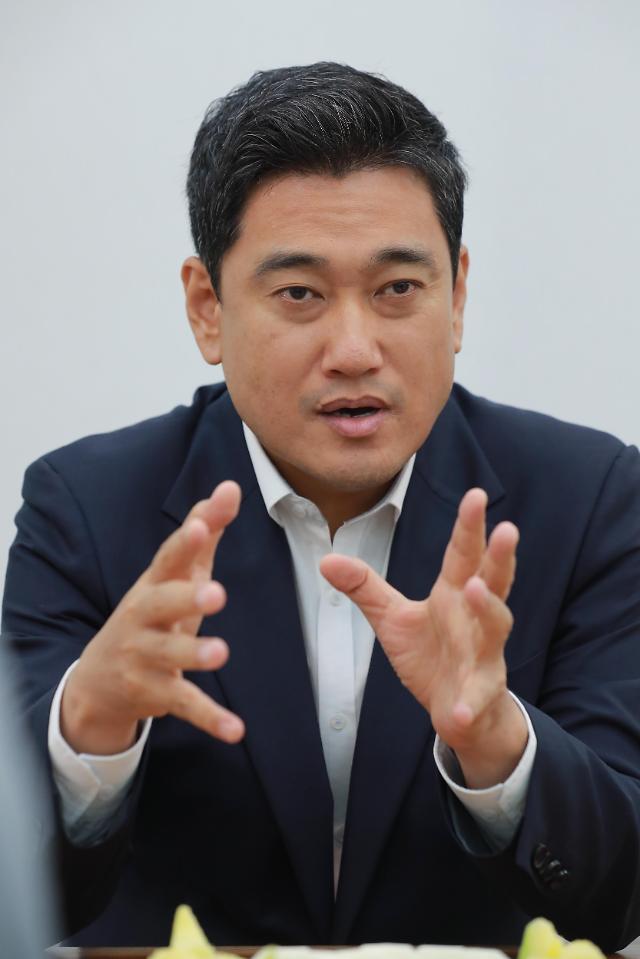 """[아주초대석] 오신환 """"文정부, 한쪽으로만 치우쳐…민주당은 '집권야당'"""""""