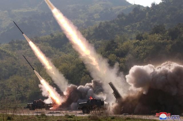 朝媒称昨用新型大口径火箭炮射弹