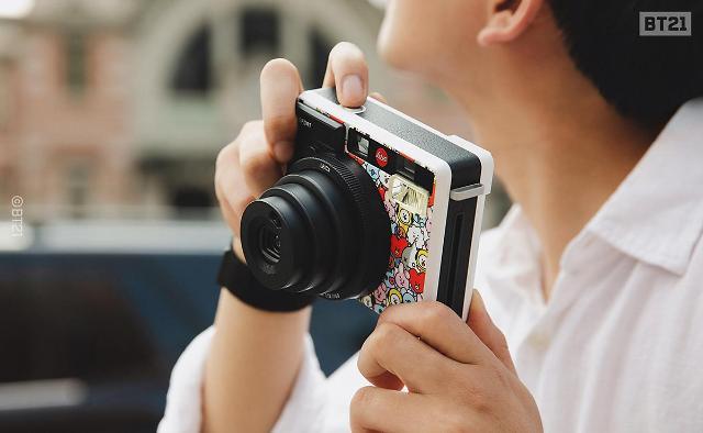 라인프렌즈, 독일 카메라 브랜드 '라이카'와 콜라보... 라이카 소포트 BT21 리미티드 에디션 출시