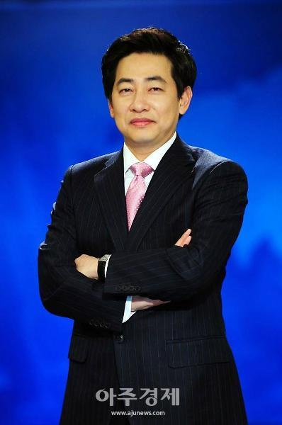'여성 신체 불법촬영' 김성준 전 SBS 앵커, 기소의견 검찰 송치