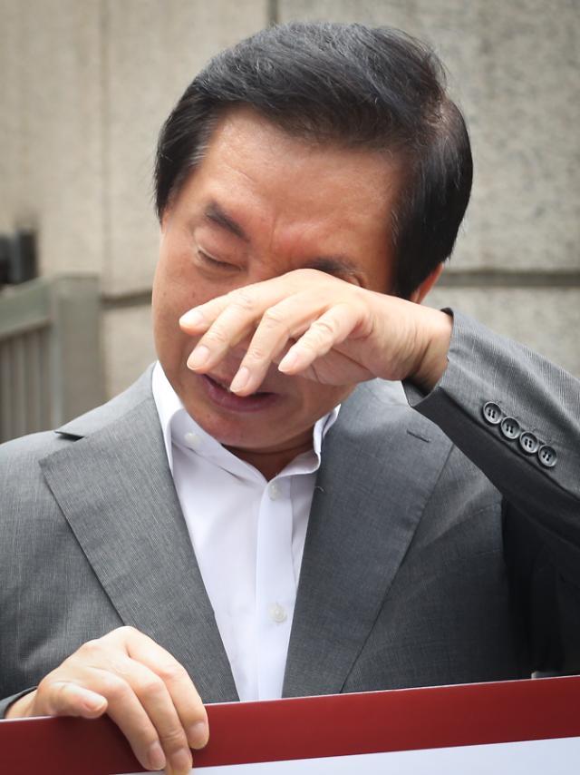 이석채 KT 회장에게 김성태 딸 채용은 '주요 관심 사안'...KT인사담당 전무 증언