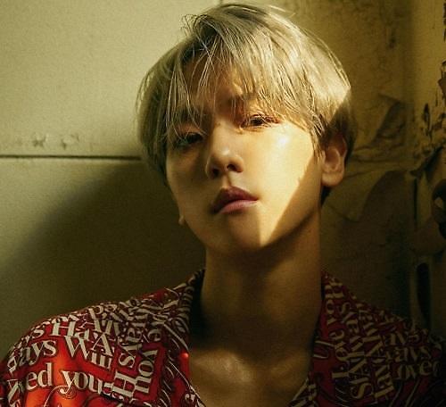 EXO伯贤个辑销量破50万张刷新单月纪录