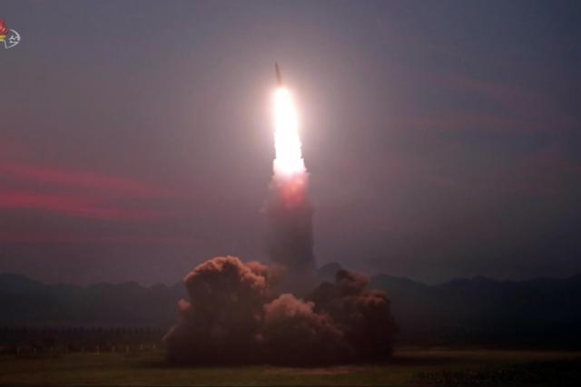 韩军研判朝鲜今射飞行器疑似近程弹道导弹
