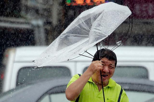 중국서 태풍 레끼마 피해 속출···사망 18명·실종 14명