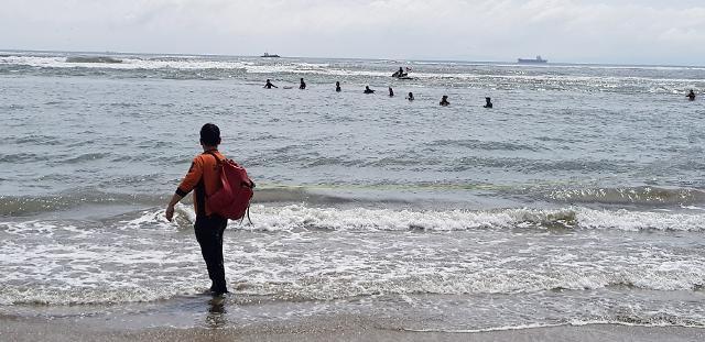 [포토] 파도에 휩쓸린 다대포 해수욕장 어린이 끝내 사망
