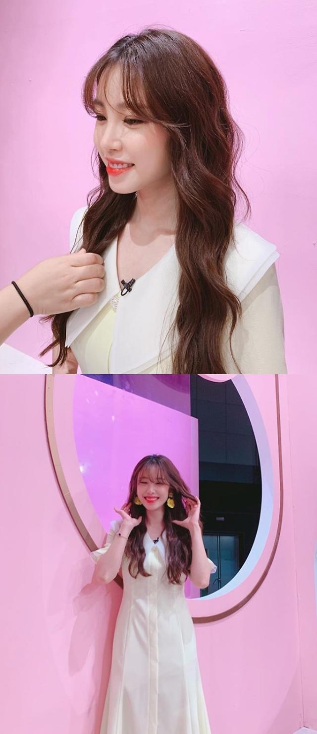 """오늘의 운세 전효성, 촬영 비하인드컷 공개 """"운명적 소개팅"""""""