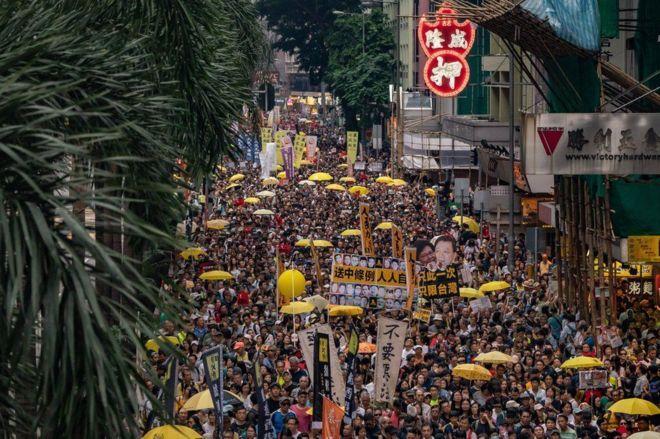 [영상] 홍콩에서 레미제라블 노래가 들리는 이유는?