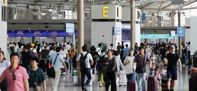 """'절반이 중국·일본 승객' 국내 항공사 사면초가... """"올게 왔다"""""""