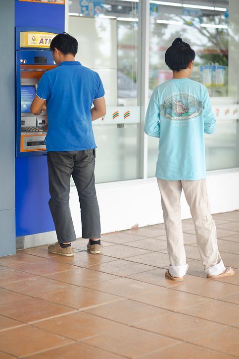 [NNA] 필리핀, ATM 수수료 인상 신청 은행은 10개 미만