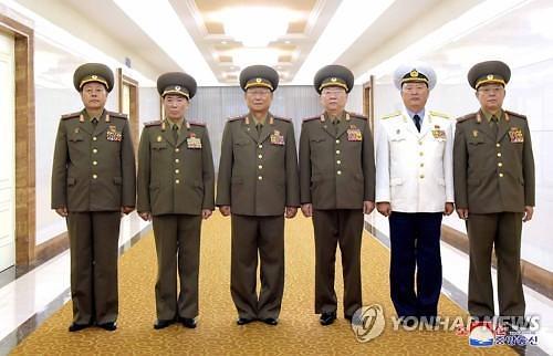 """북중 軍수뇌부 베이징서 회담…""""친선협조 발전"""""""