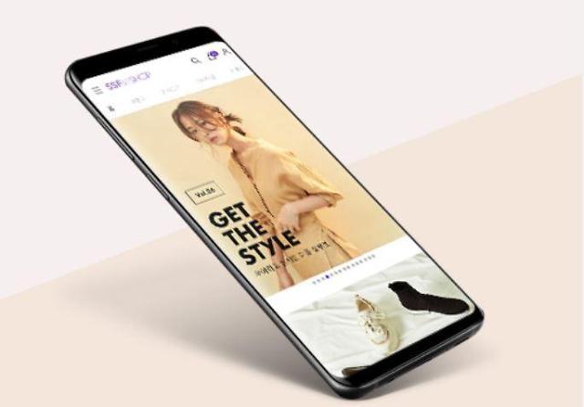 '불황' 패션업계, 온라인·자사몰 확대로 살길 찾는다
