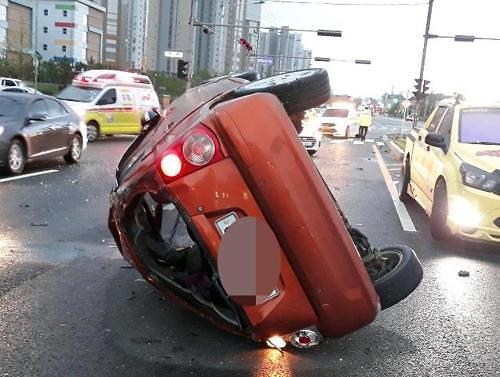 [포토뉴스]출근길 아파트현장 일용직근로자 교통사고…1명사망,4명부상