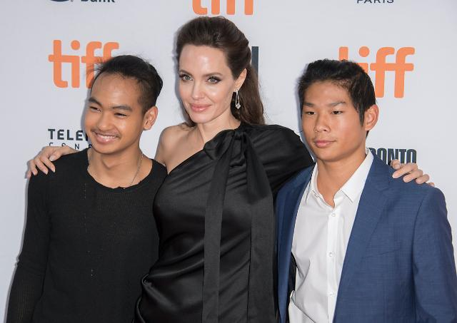 Hollywood star Jolie in Seoul to help college life of her adopted first son