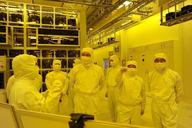 日本再次批准对韩光刻胶出口 三星电子暂缓一口气