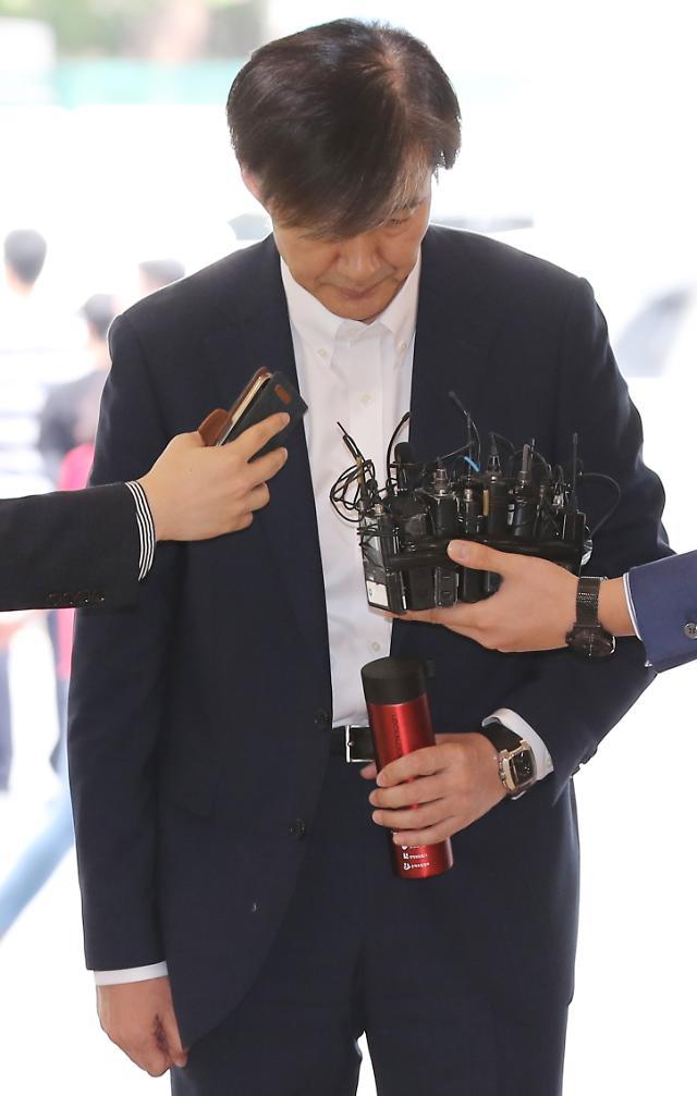 딸 논문 특혜 논란까지…한국당 조국 때리기 가열