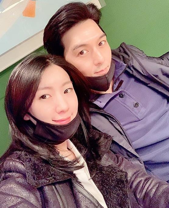 """이필모 서수연 2세 탄생…SNS에 """"오잉이 탄생 축하"""" 댓글 쏟아져"""