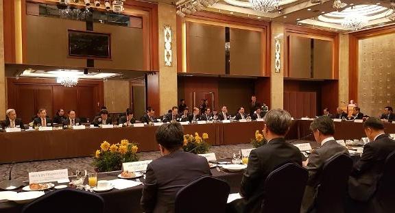 베트남 정책은 삼성전자에 물어보라고?
