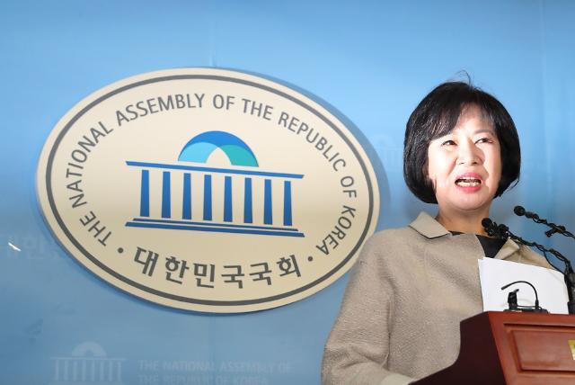 """손혜원 """"나는 언론을 믿지 않는다…조국 상황 잘 이해"""""""